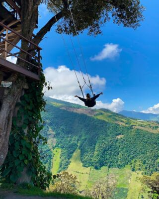 On top of the world in Baños! Ecuador is an absolute dream 😍  #pmgy #pmgyecuador #pmgyweekends