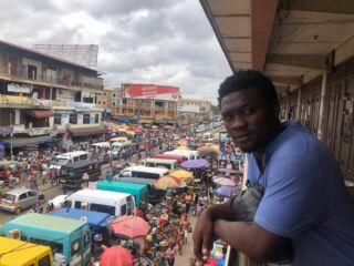 Good morning from kumasi jungle market #pmgyghana #smiledennis.